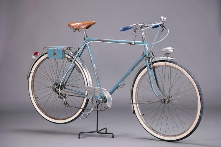 Peugeot bleu années 40