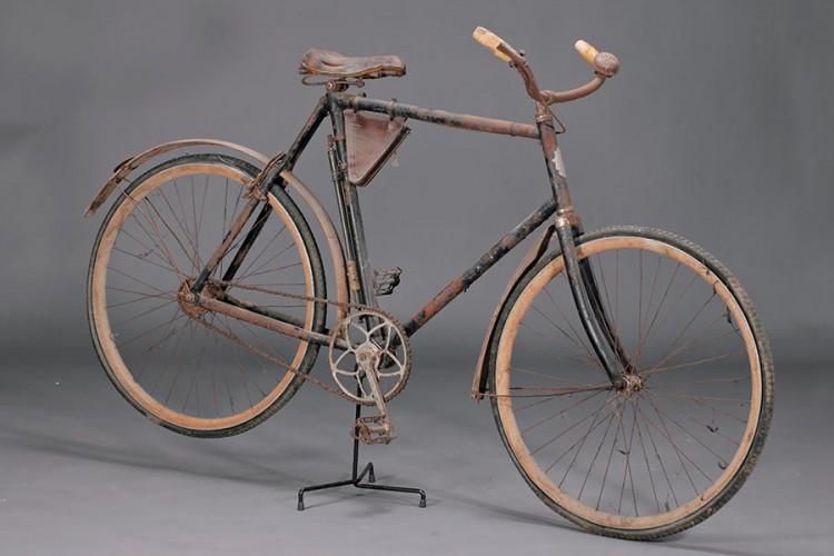 Omega vers 1900