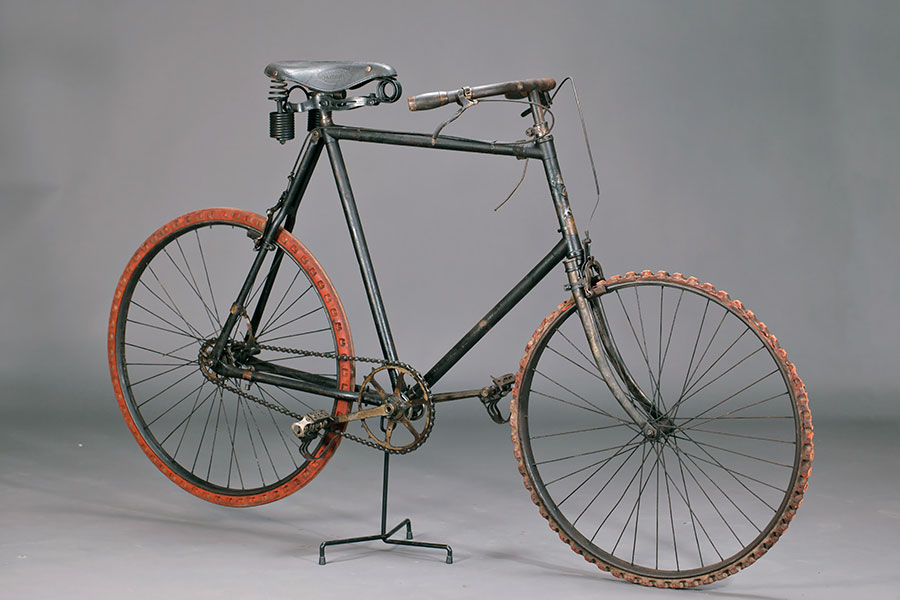 Hirondelle Outil vers 1895